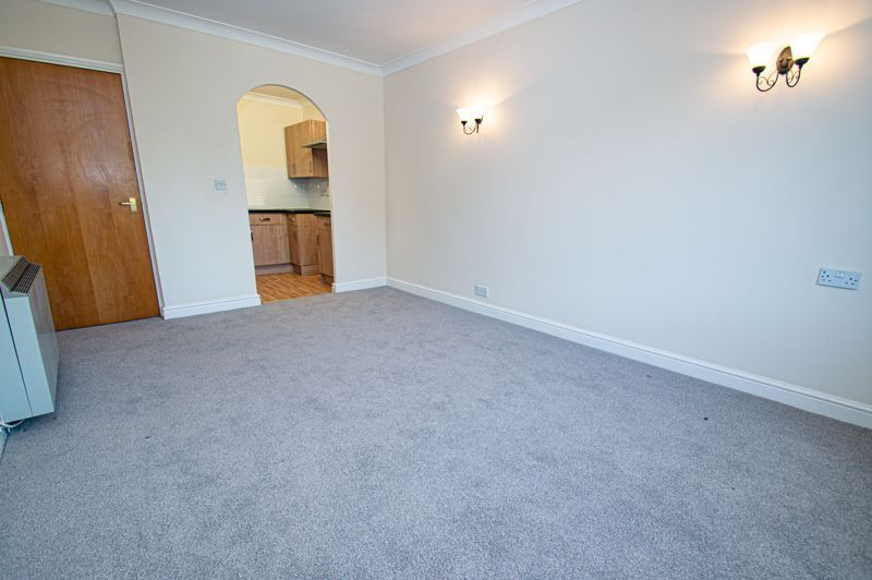 2 bed  for sale in Woodfield Road  - Property Image 4