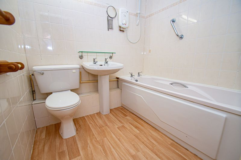 2 bed  for sale in Woodfield Road 8