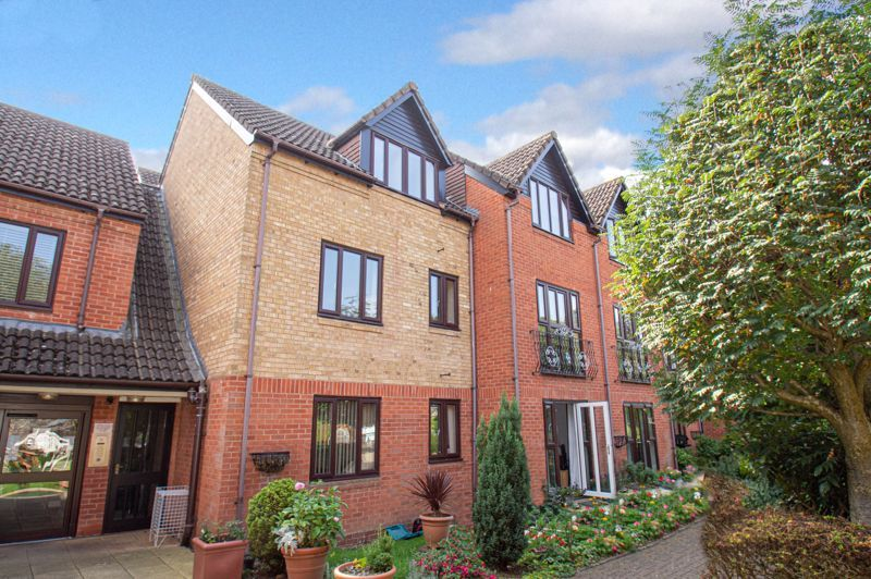 2 bed  for sale in Woodfield Road 10