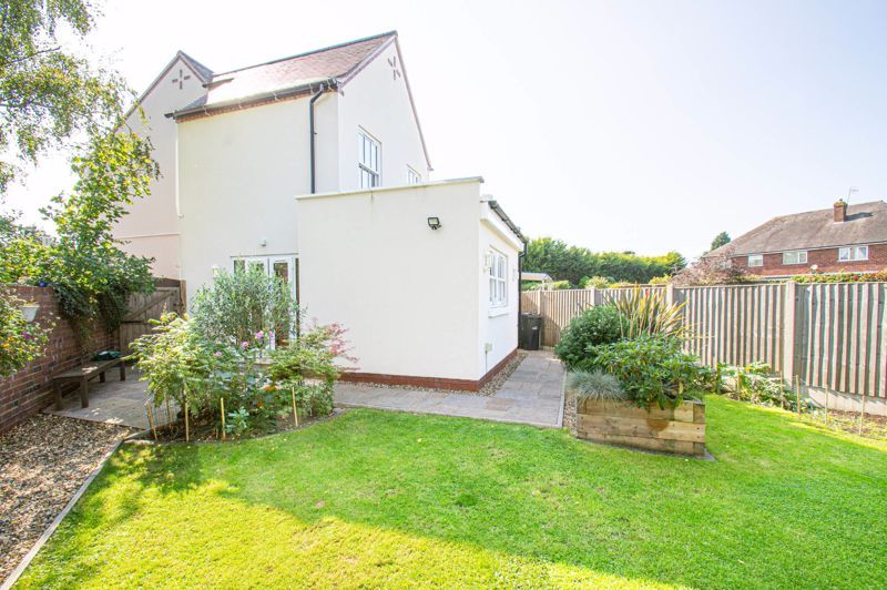 3 bed house for sale in Greyhound Lane 13