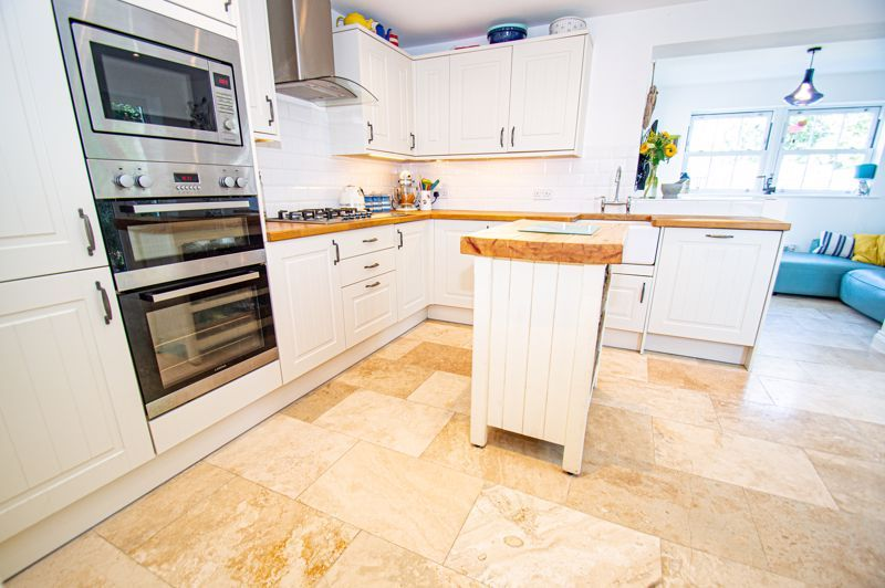 3 bed house for sale in Greyhound Lane 15