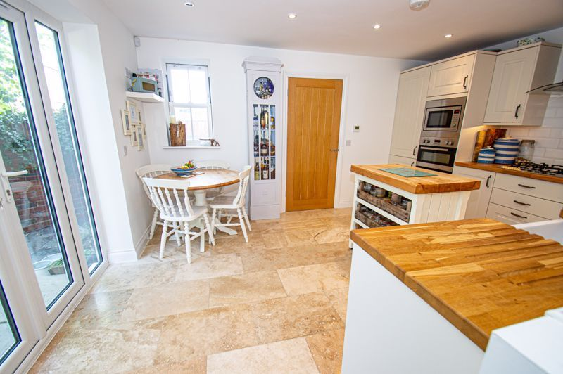 3 bed house for sale in Greyhound Lane 16