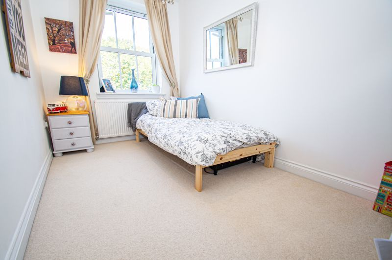 3 bed house for sale in Greyhound Lane 8