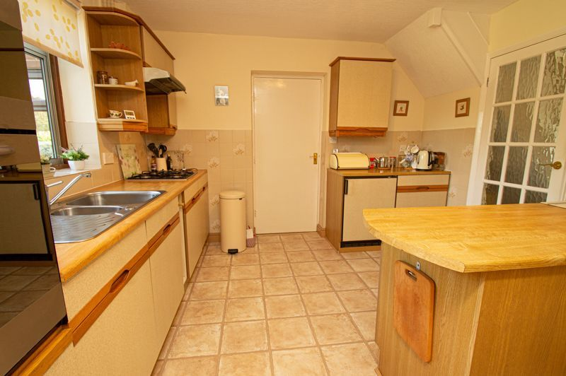 4 bed house for sale in Mason Road  - Property Image 16