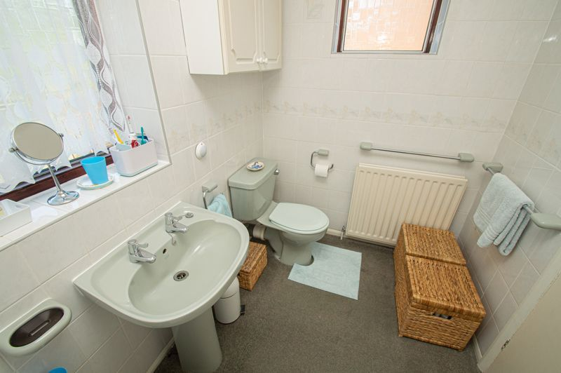 4 bed house for sale in Mason Road  - Property Image 20