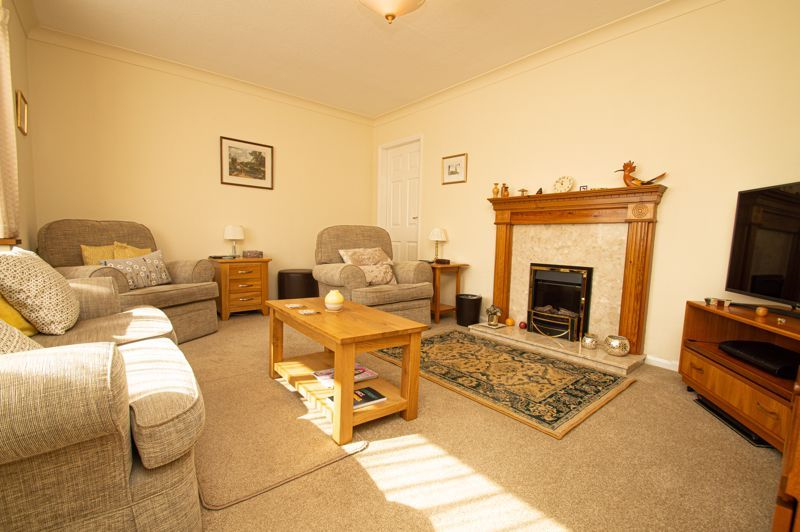 4 bed house for sale in Mason Road  - Property Image 4