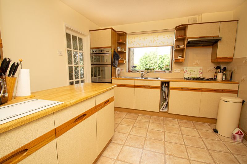 4 bed house for sale in Mason Road  - Property Image 6