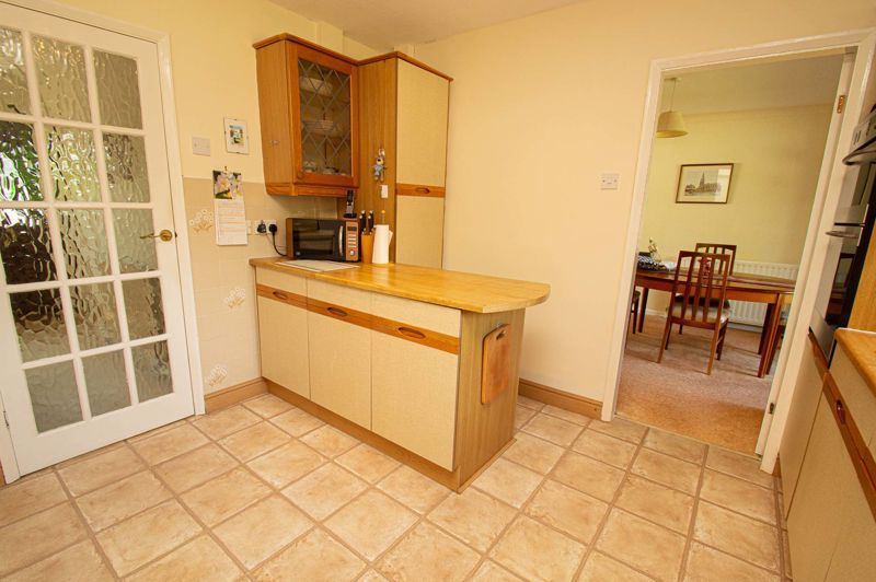 4 bed house for sale in Mason Road  - Property Image 7