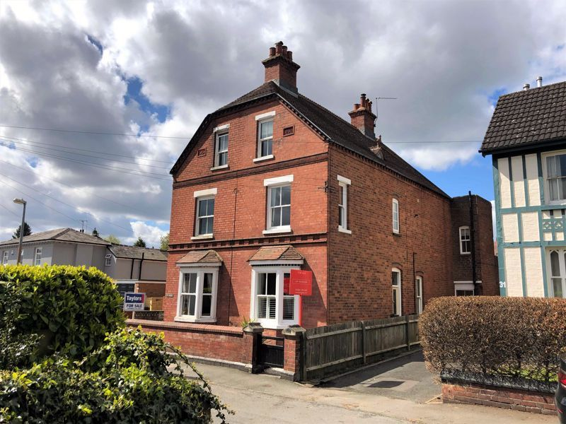 4 bed house for sale in Wood Street 2