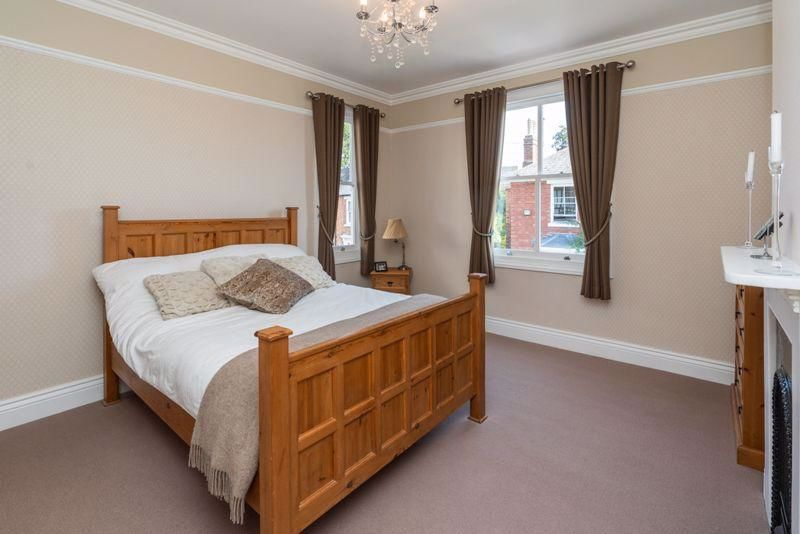 4 bed house for sale in Wood Street 11