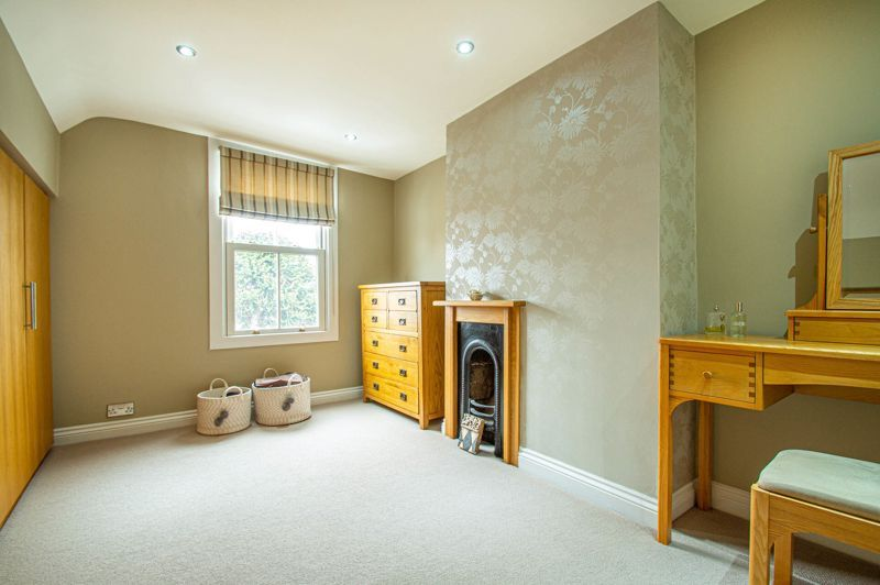 4 bed house for sale in Wood Street  - Property Image 13