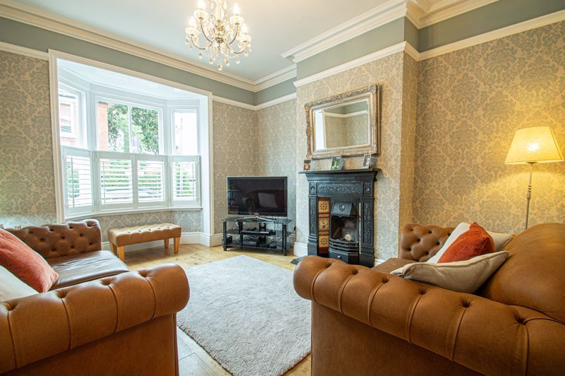 4 bed house for sale in Wood Street 4