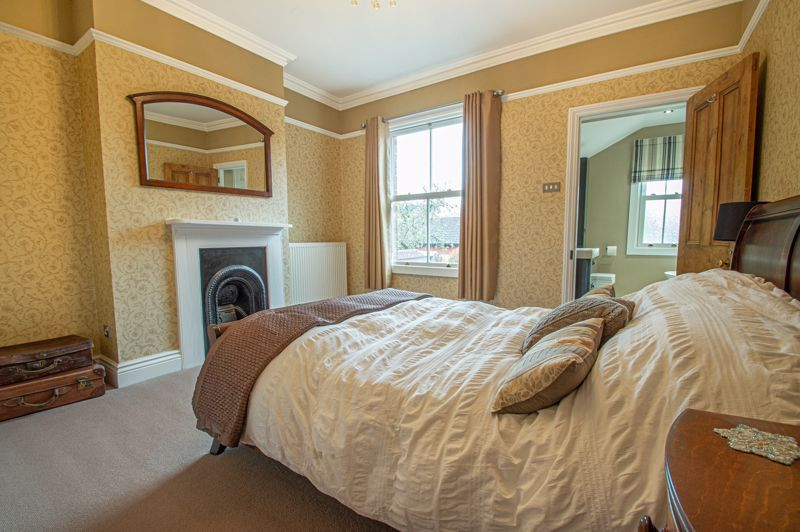 4 bed house for sale in Wood Street 9