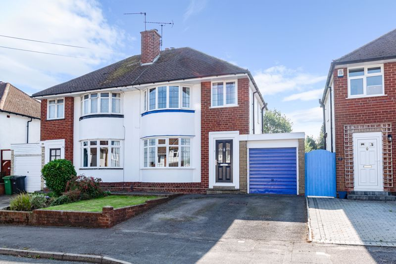 3 bed house for sale in Gilbanks Road  - Property Image 1