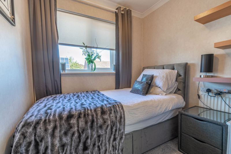 3 bed house for sale in Lassington Close 11