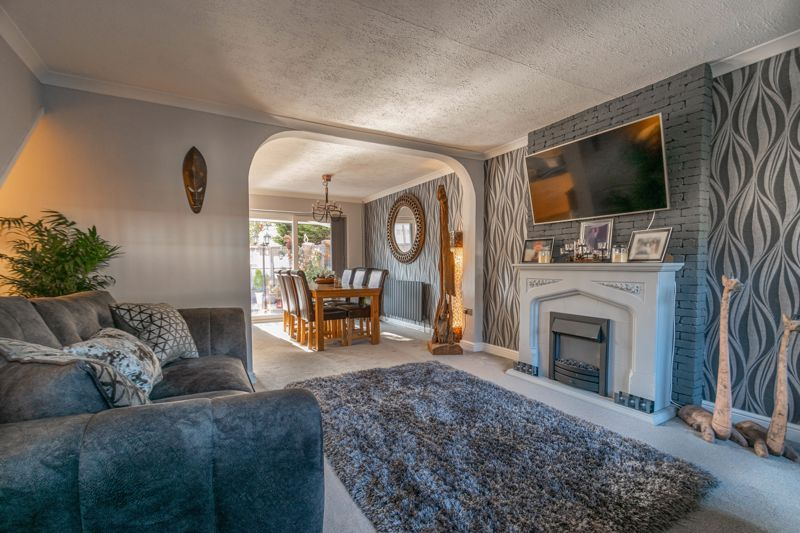 3 bed house for sale in Lassington Close 6
