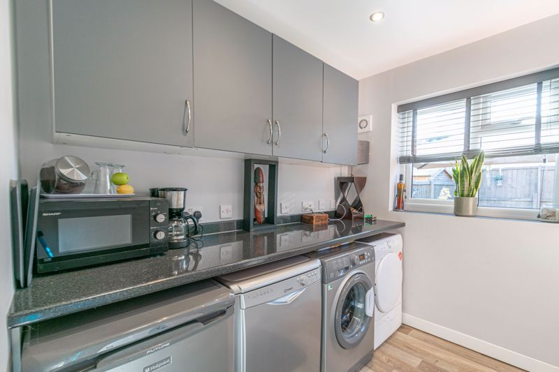 3 bed house for sale in Lassington Close  - Property Image 7