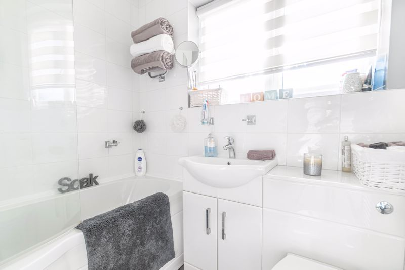 3 bed house for sale in Lassington Close  - Property Image 10