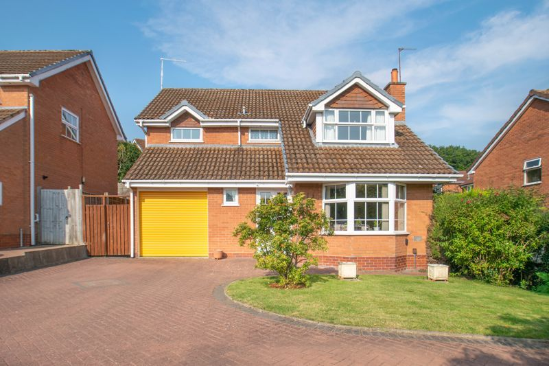 4 bed house for sale in Milford Close  - Property Image 1