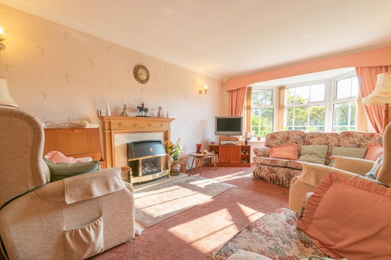 4 bed house for sale in Milford Close 4