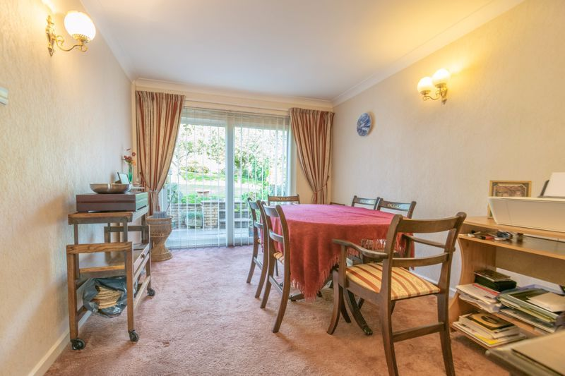 4 bed house for sale in Milford Close 5