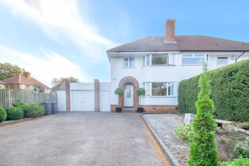 3 bed house for sale in Southwold Avenue - Property Image 1