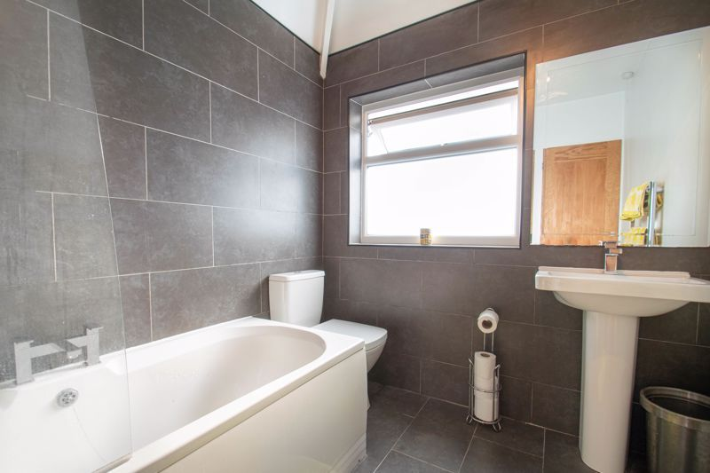 3 bed house for sale in Southwold Avenue  - Property Image 11