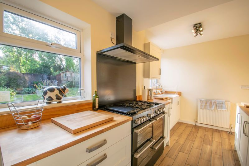 3 bed house for sale in Southwold Avenue  - Property Image 3