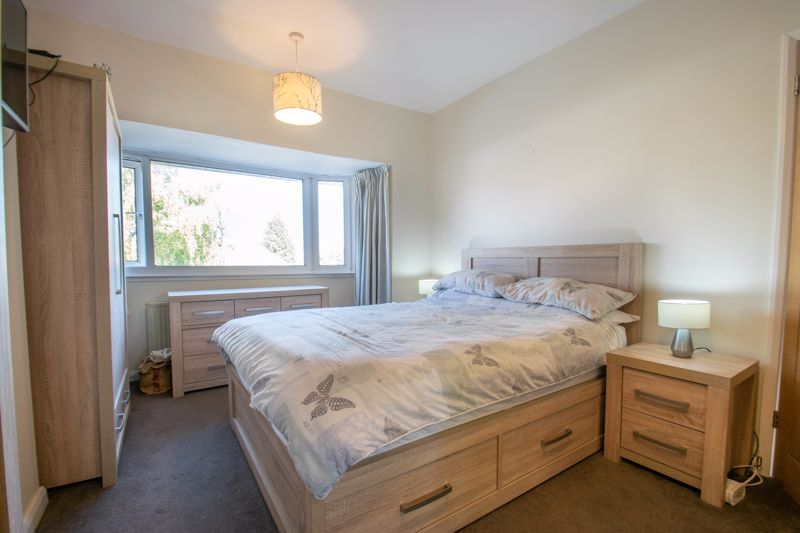 3 bed house for sale in Southwold Avenue 8