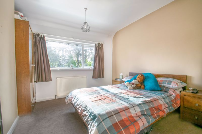 3 bed house for sale in Southwold Avenue 9