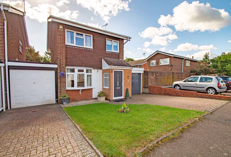 2 bed house for sale in Donnington Close 1