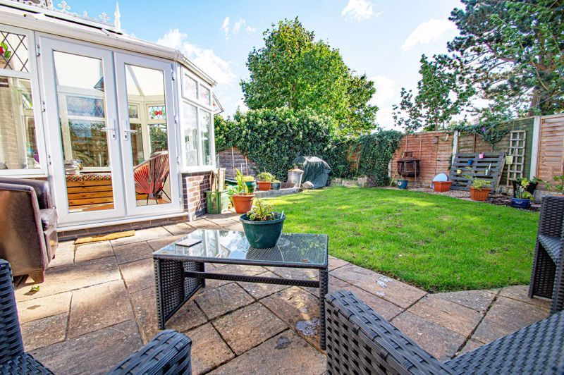 2 bed house for sale in Donnington Close 13
