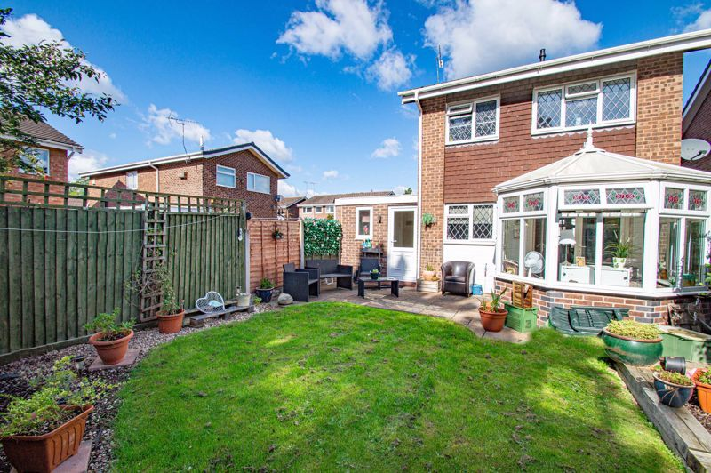 2 bed house for sale in Donnington Close 14