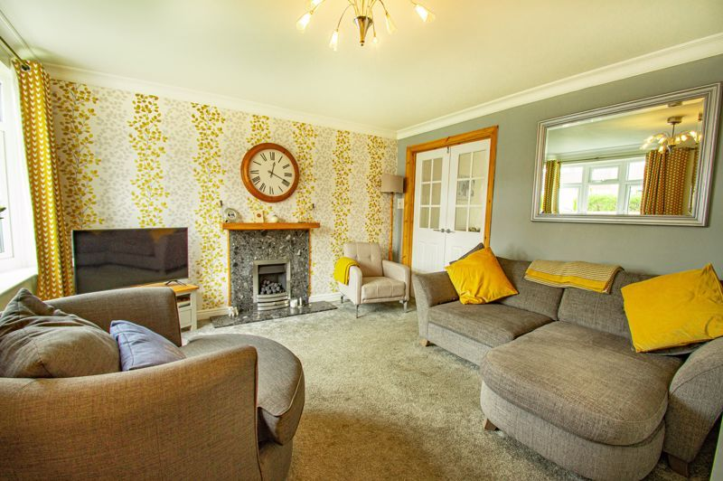 2 bed house for sale in Donnington Close 16