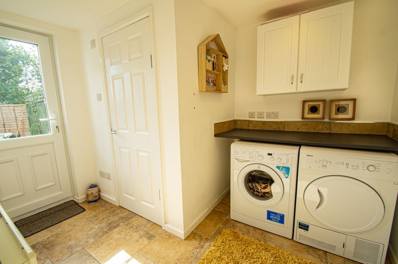 2 bed house for sale in Donnington Close  - Property Image 6