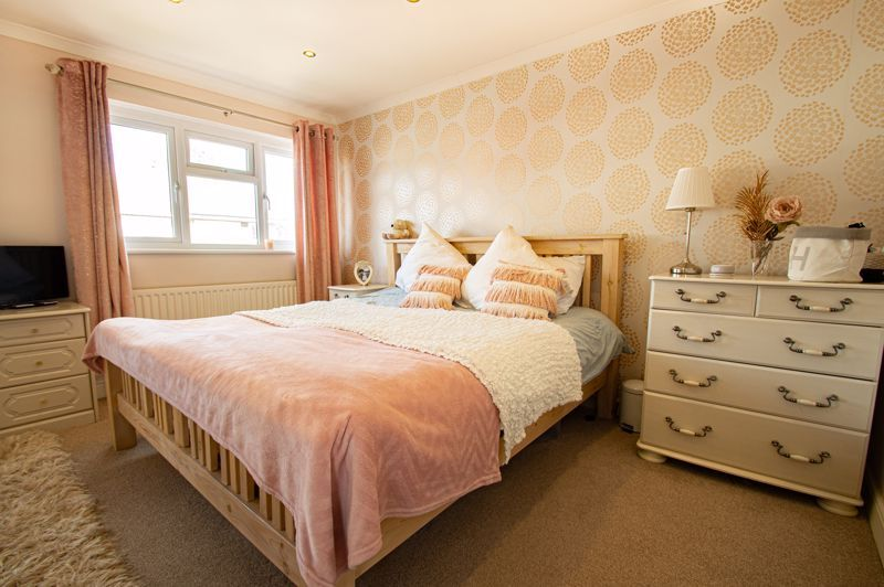2 bed house for sale in Donnington Close  - Property Image 8