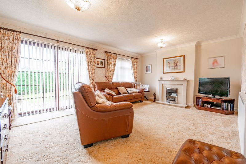4 bed house for sale in Barley Croft 2