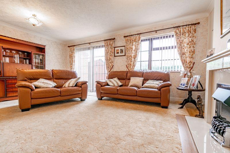 4 bed house for sale in Barley Croft 14