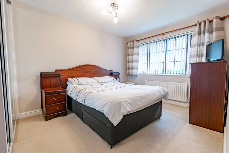 4 bed house for sale in Barley Croft  - Property Image 7