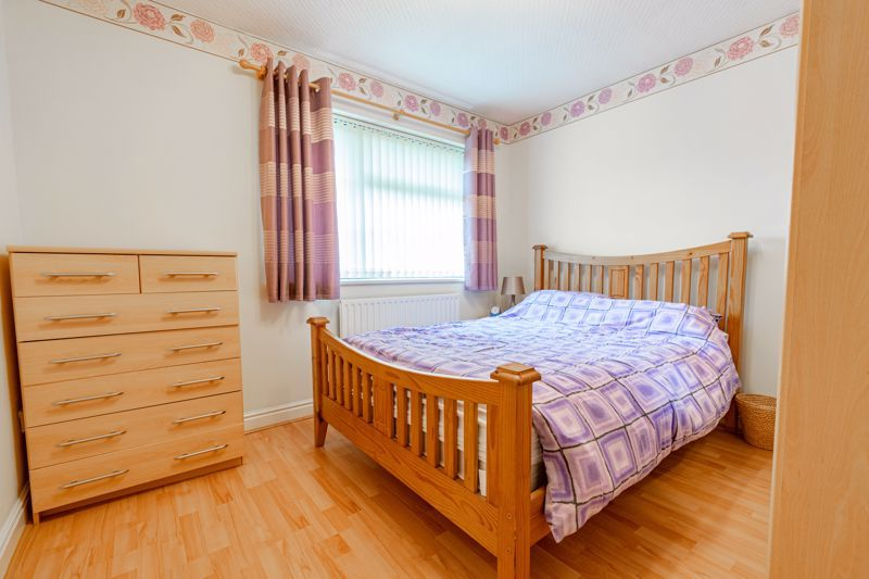 4 bed house for sale in Barley Croft  - Property Image 8