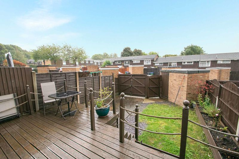 3 bed house for sale in Hartfields Way  - Property Image 14