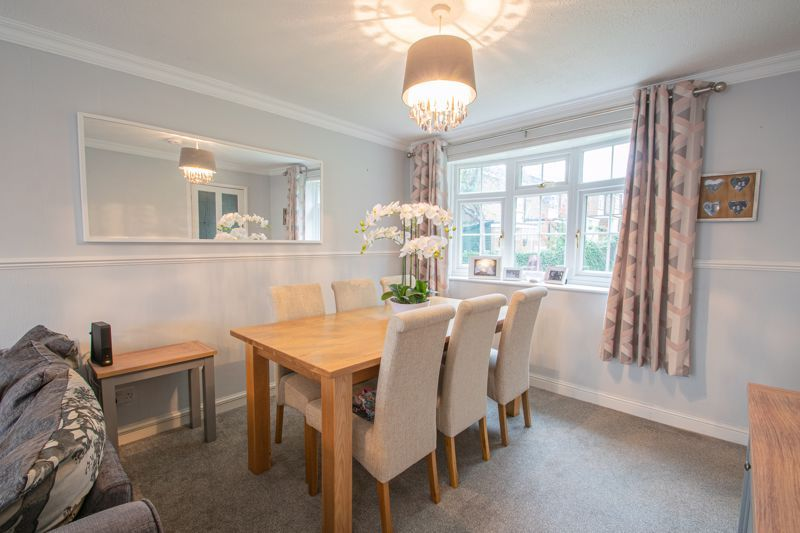3 bed house for sale in Hartfields Way  - Property Image 4