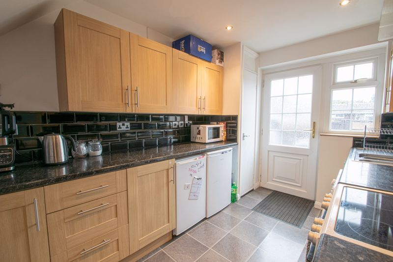 3 bed house for sale in Hartfields Way 5