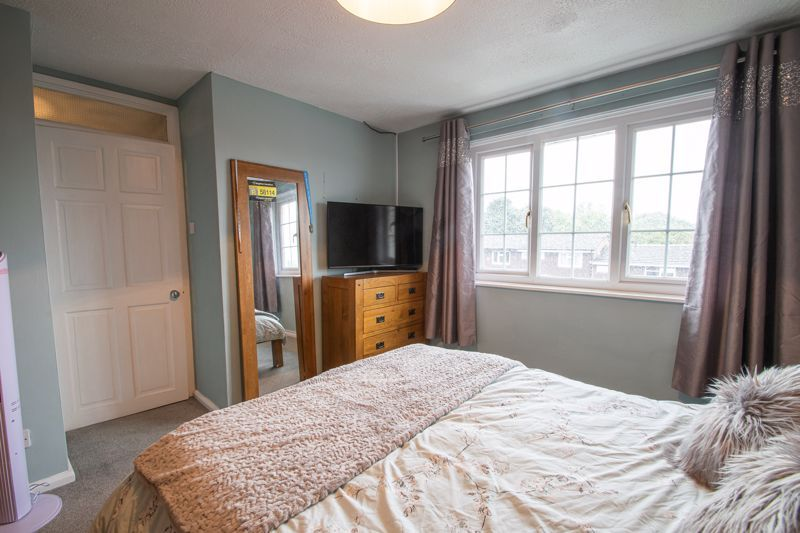 3 bed house for sale in Hartfields Way 8