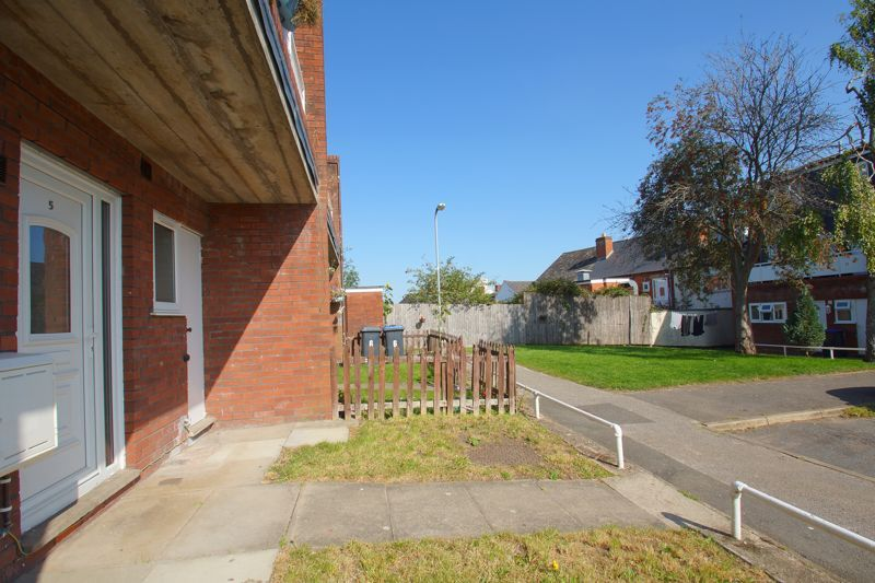 1 bed  for sale in Albert Close 4