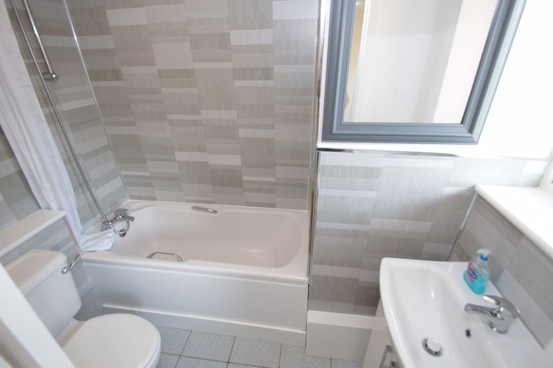 1 bed  for sale in Albert Close  - Property Image 7