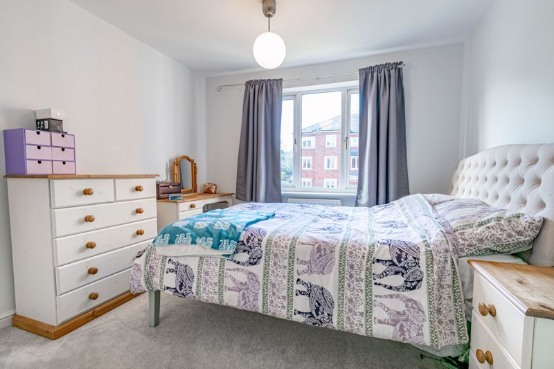 2 bed flat for sale in Stratford Gardens  - Property Image 7