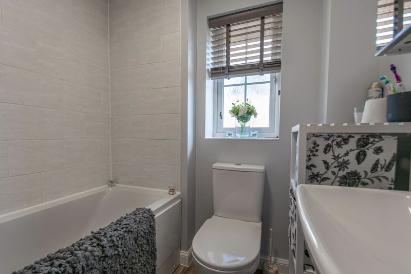 2 bed house for sale in Hopesay Close 8