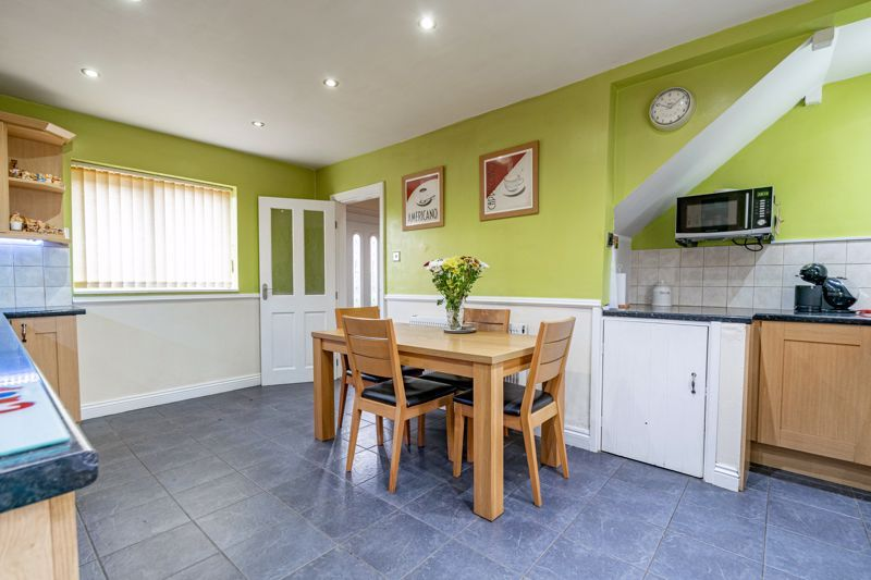 3 bed house for sale in Humphrey Avenue 6