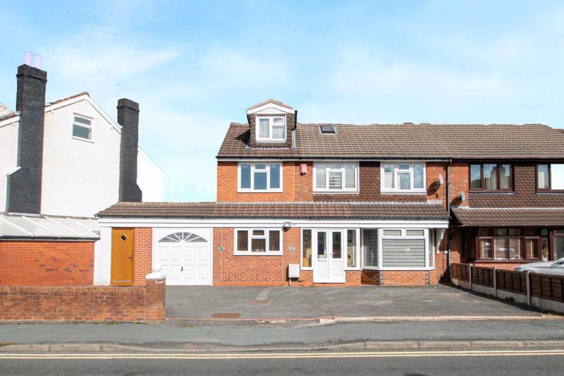 5 bed house for sale in Springfield Road 1